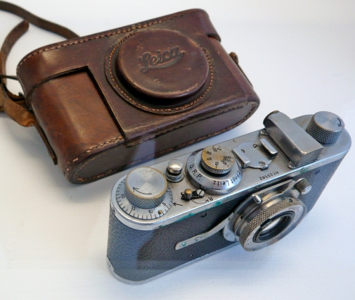 Cartier-Bresson's_first_Leica